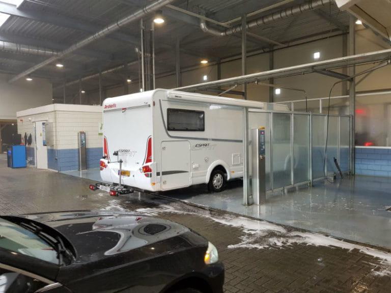 caravan wassen in wasbox